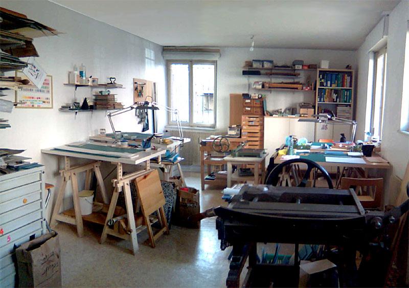 Une vue de l'atelier où se déroulent ...