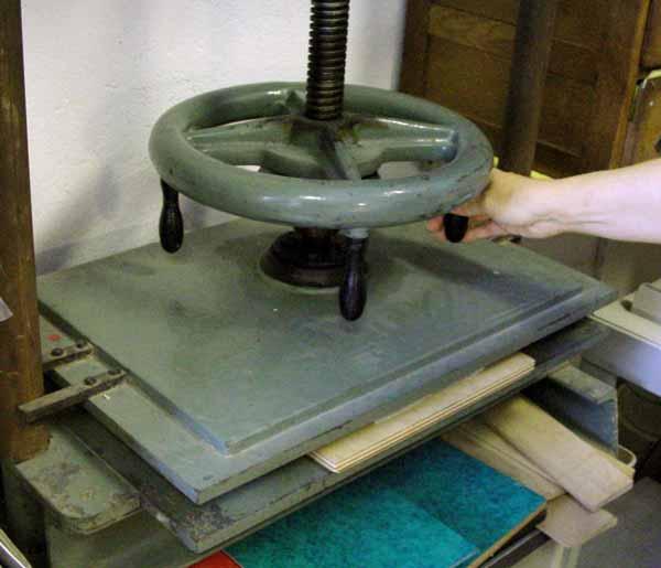 Petite presse à percussion